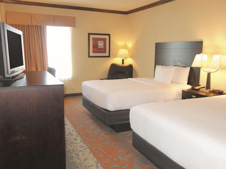 Room - La Quinta Inn & Suites Eastland