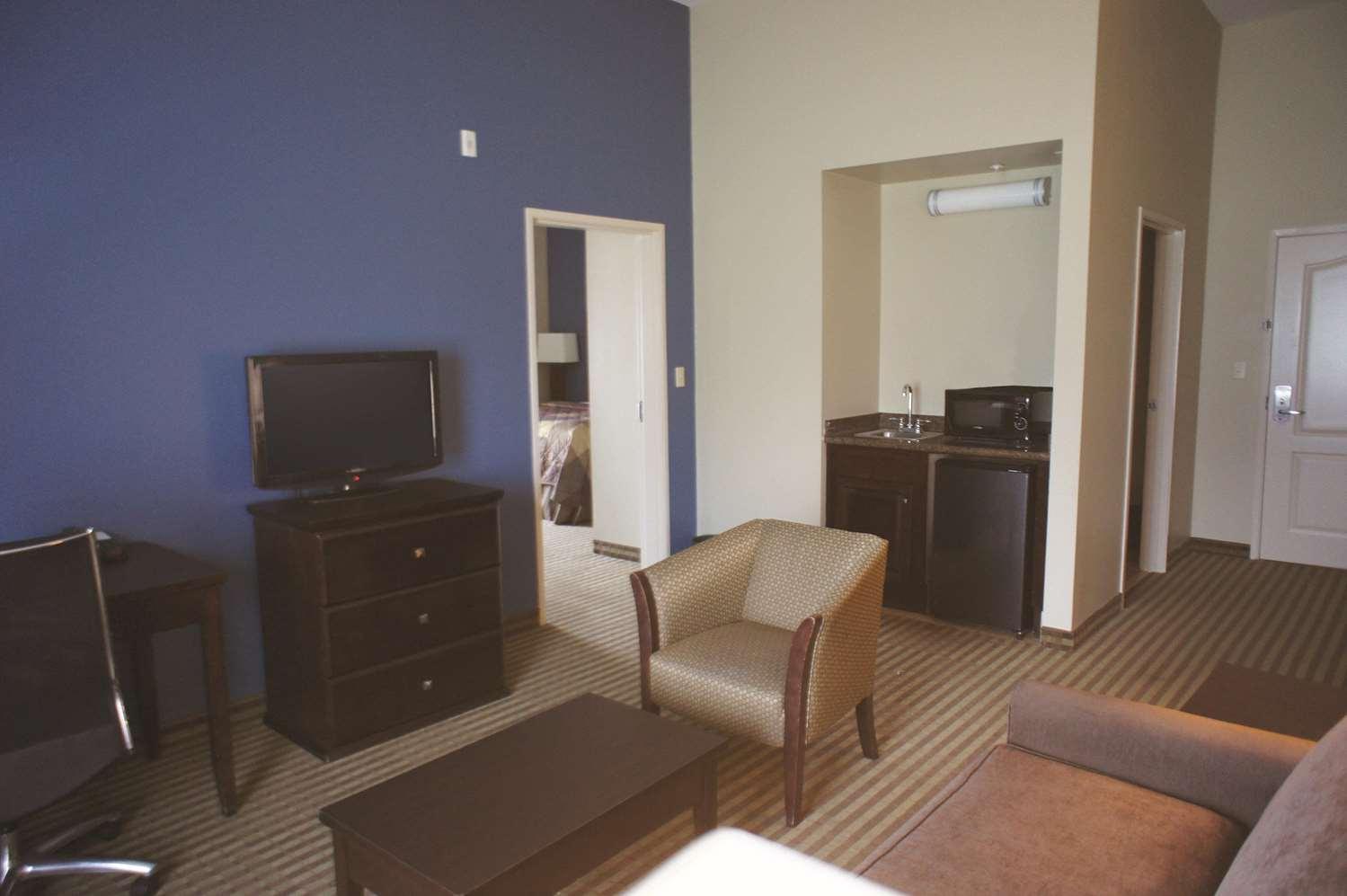Suite - La Quinta Inn & Suites Broussard