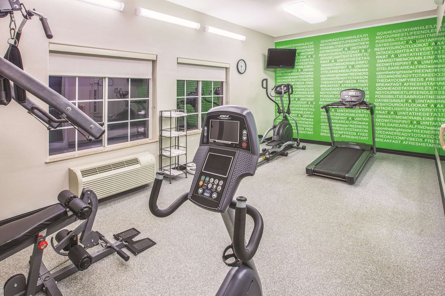 Fitness/ Exercise Room - La Quinta Inn & Suites Bay City
