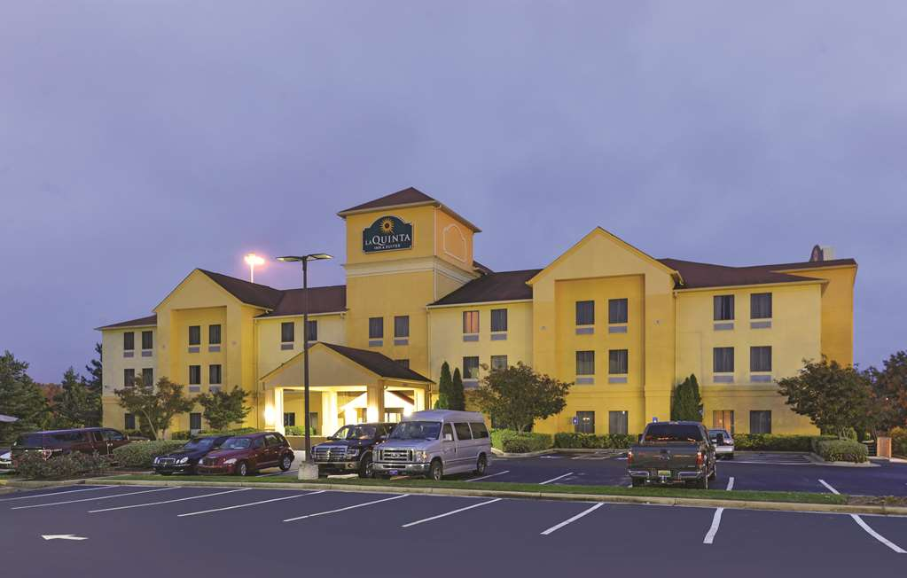 La Quinta Inn And Suites Locust Grove Hotel