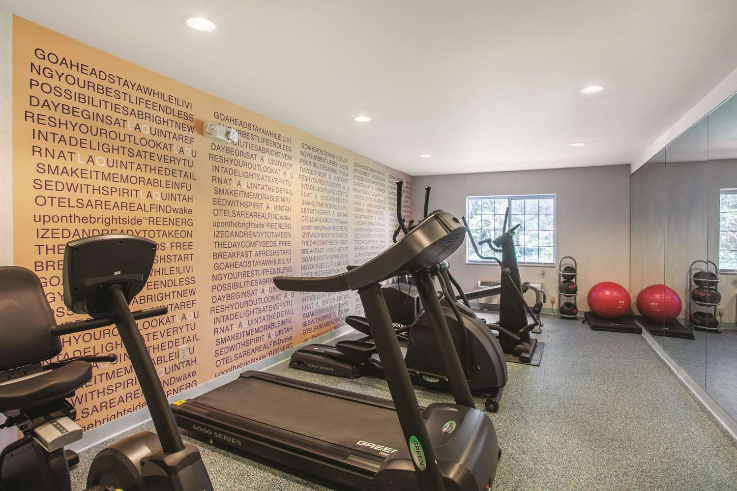 Fitness/ Exercise Room - La Quinta Inn South Richmond