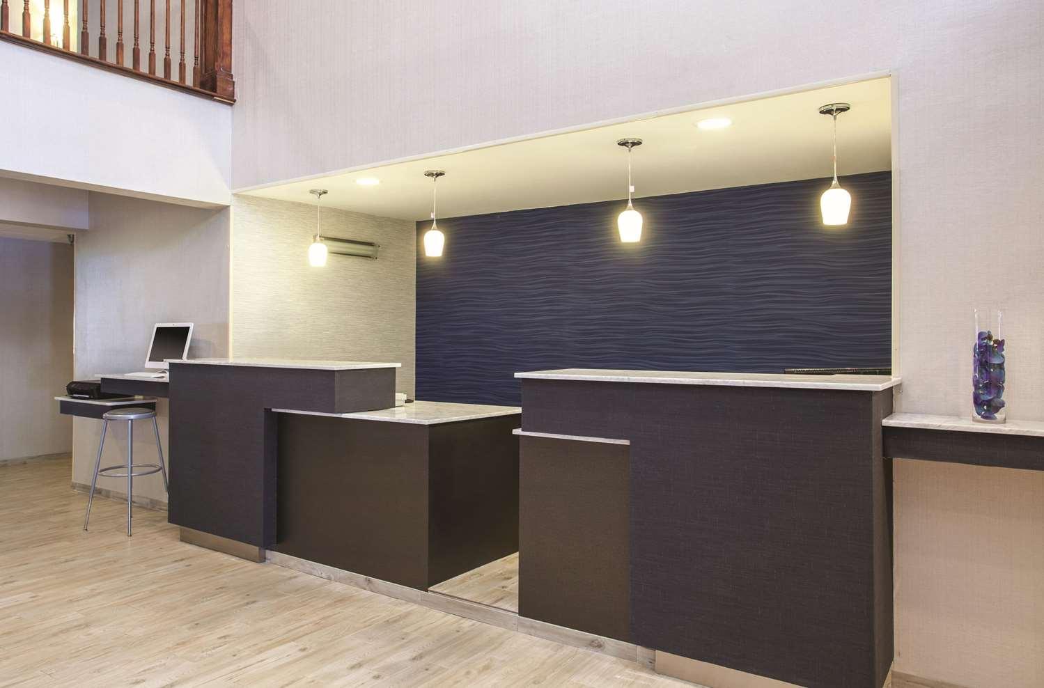 Lobby - La Quinta Inn South Richmond