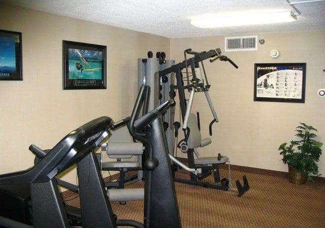 Fitness/ Exercise Room - La Quinta Inn & Suites Tipp City