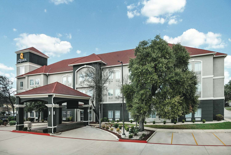 La Quinta Inn & Suites Dominion San Antonio, TX - See Discounts