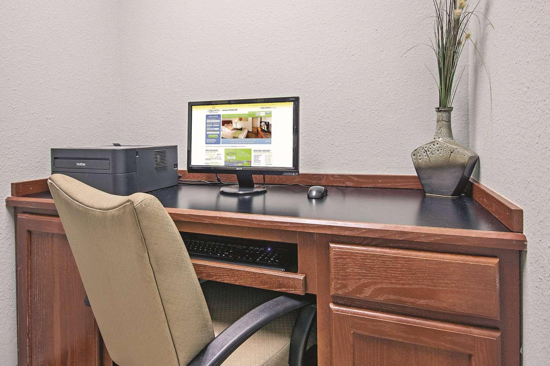Conference Area - La Quinta Inn & Suites Euless