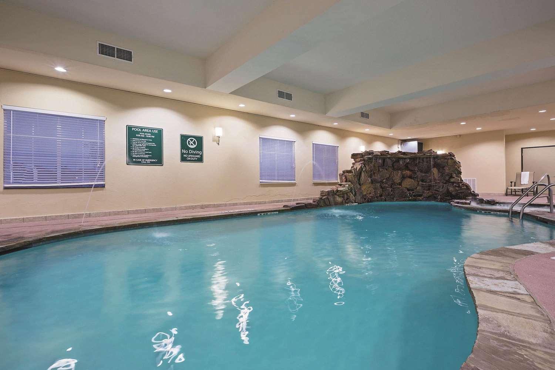 Pool - La Quinta Inn & Suites Euless