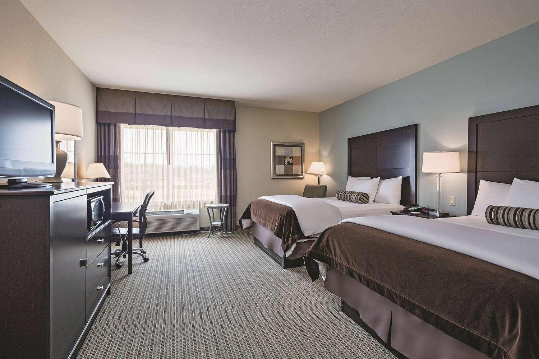 Room - La Quinta Inn & Suites Euless