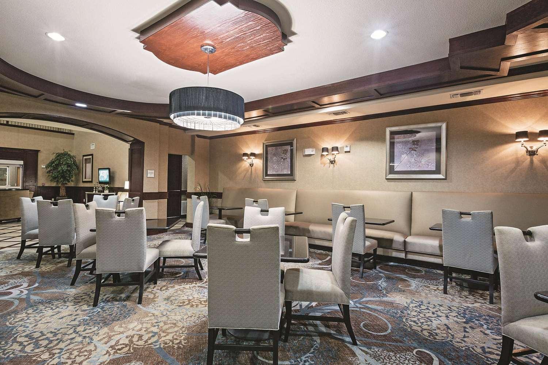 proam - La Quinta Inn & Suites Euless