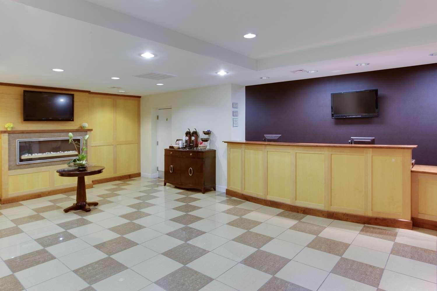 Lobby - La Quinta Inn Airport San Jose