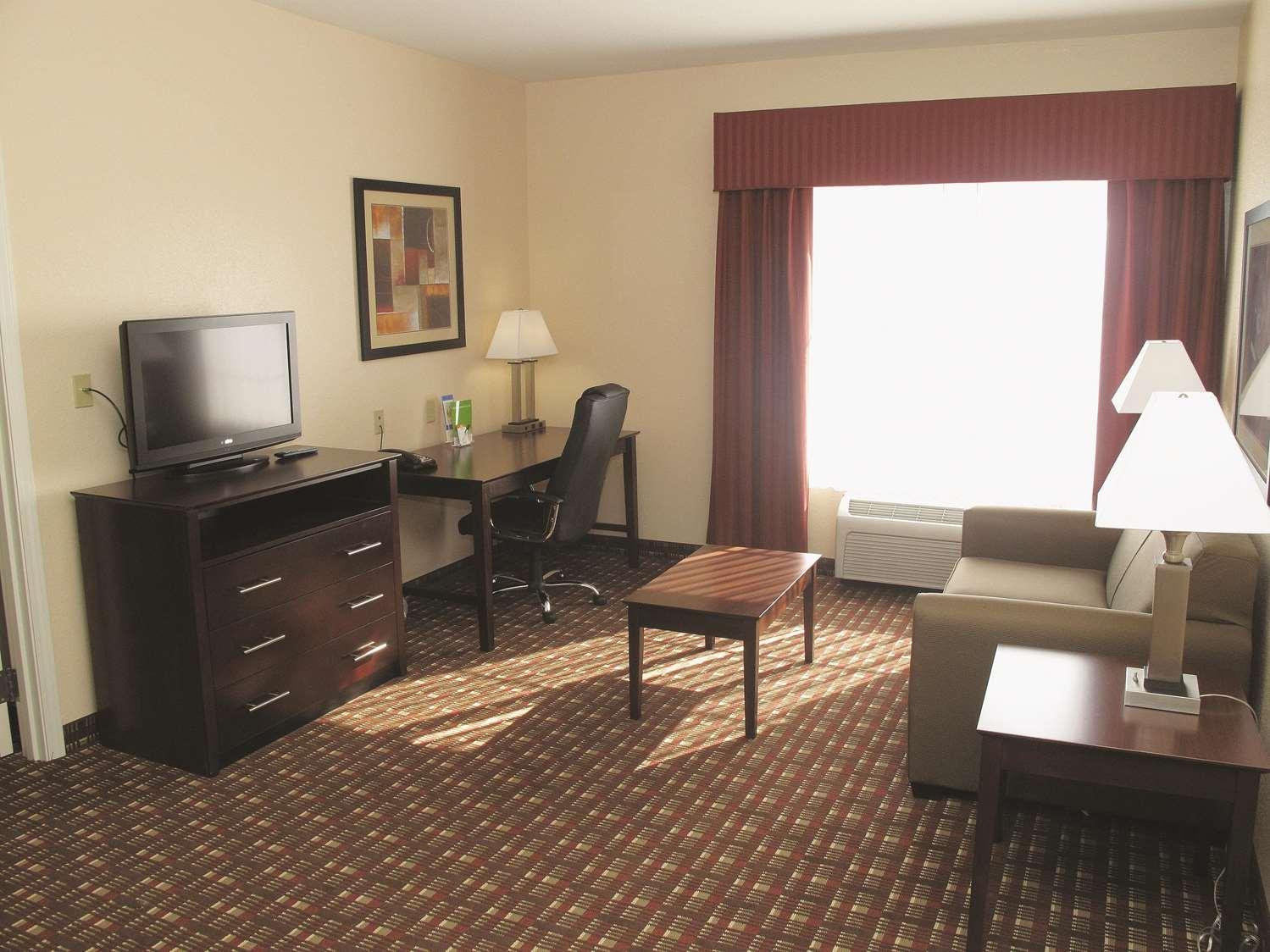 Suite - La Quinta Inn & Suites West Macon
