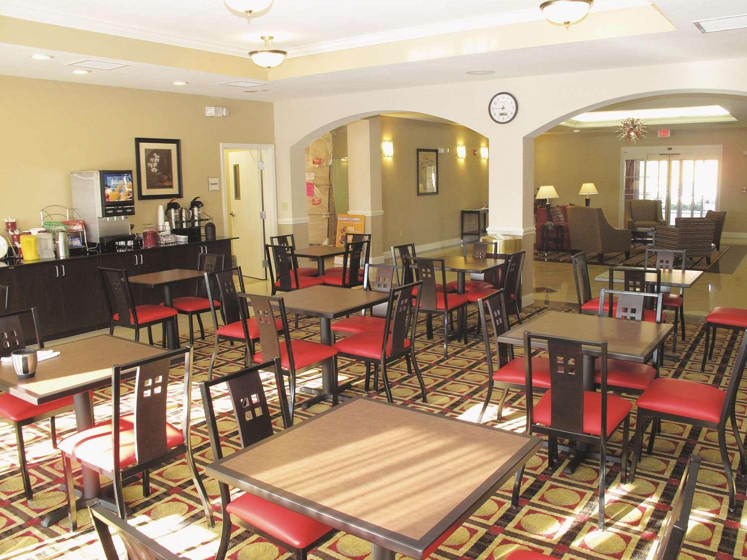 proam - La Quinta Inn & Suites West Macon