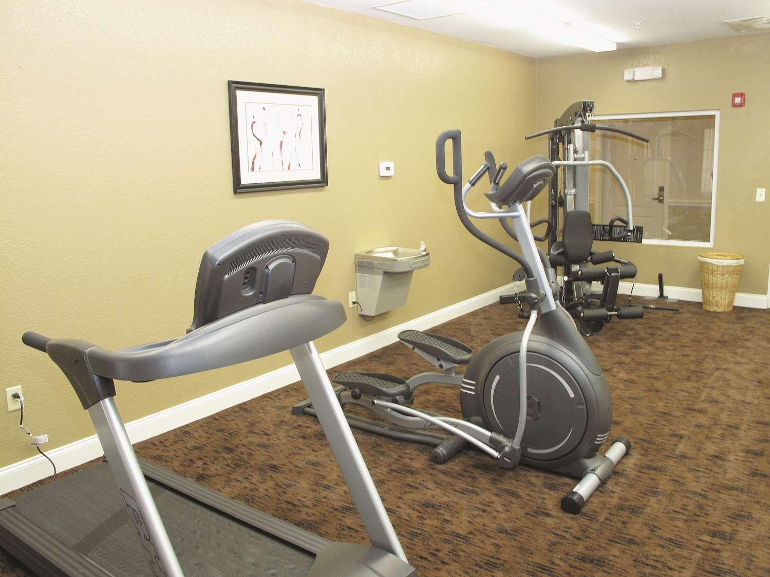 Fitness/ Exercise Room - La Quinta Inn & Suites West Macon