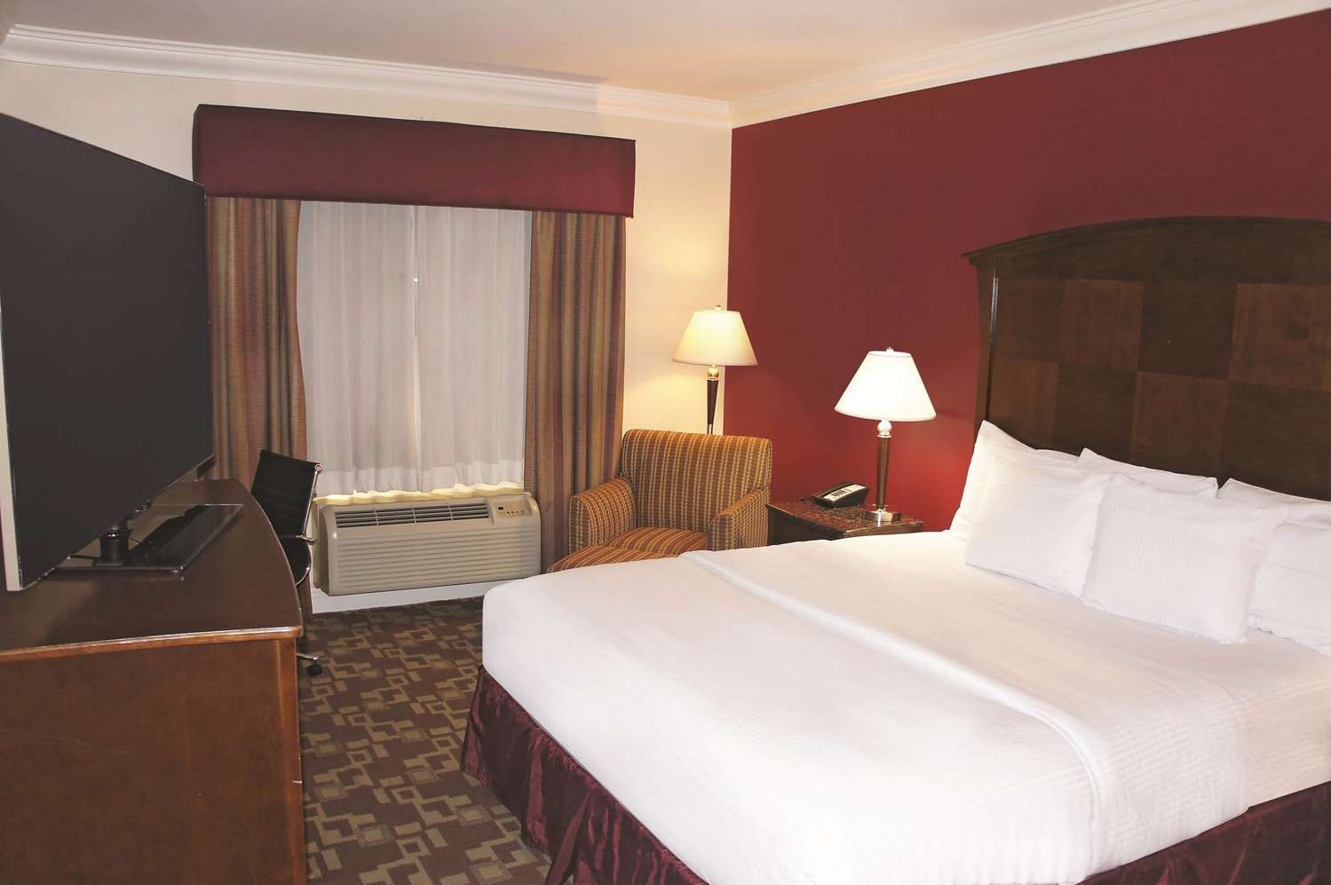 Room - La Quinta Inn & Suites Moreno Valley