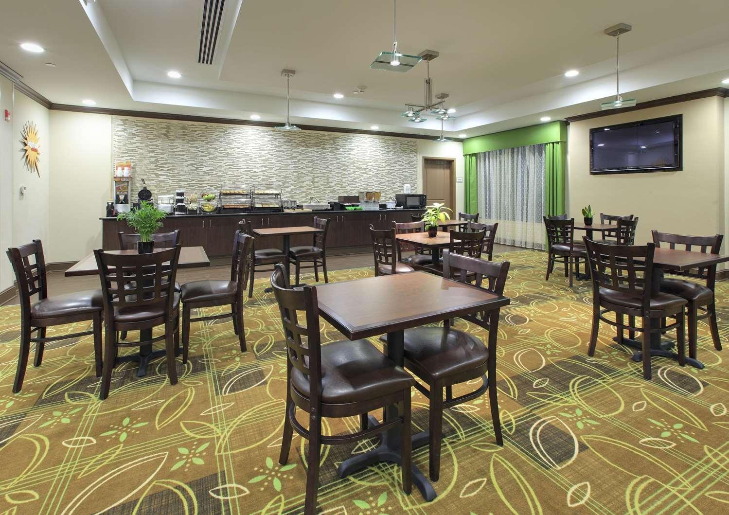 proam - La Quinta Inn & Suites Wolfchase Memphis