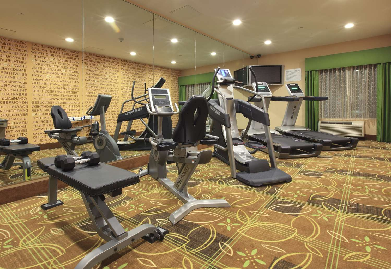 Fitness/ Exercise Room - La Quinta Inn & Suites Wolfchase Memphis