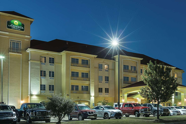 Exterior view - La Quinta Inn & Suites Mt Pleasant