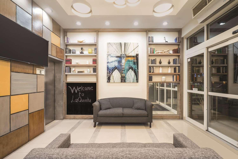 Lobby - La Quinta Inn Brooklyn Heights