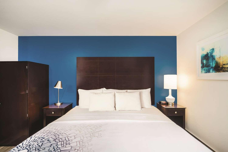 Room - La Quinta Inn Brooklyn Heights