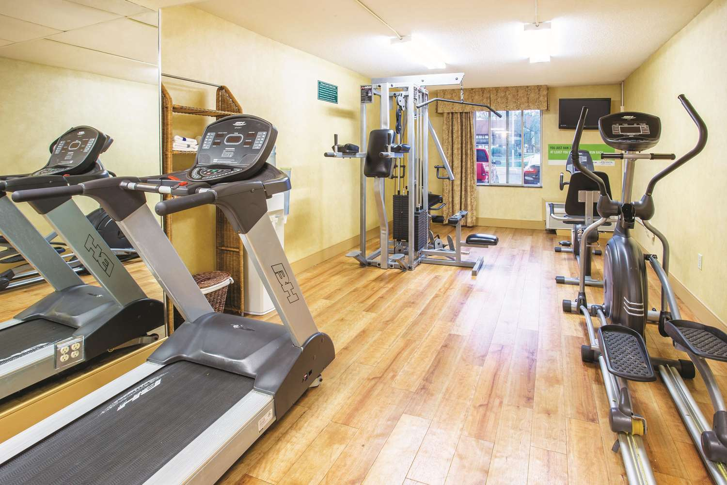 Fitness/ Exercise Room - La Quinta Inn & Suites South Indianapolis