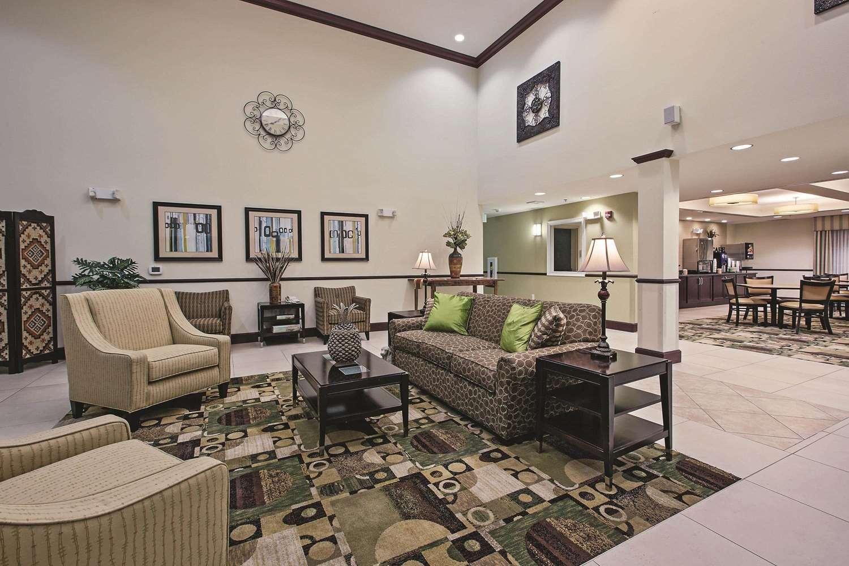 Lobby - La Quinta Inn & Suites Ronks