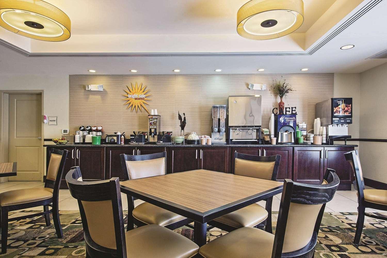 proam - La Quinta Inn & Suites Ronks