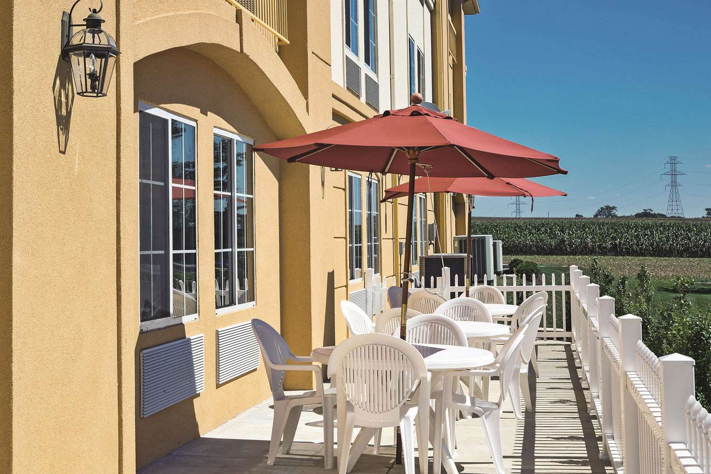 Exterior view - La Quinta Inn & Suites Ronks