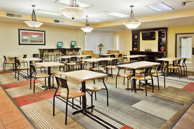 proam - La Quinta Inn & Suites Memphis