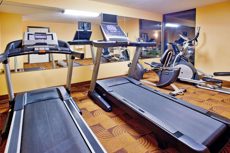 Fitness/ Exercise Room - La Quinta Inn & Suites Memphis