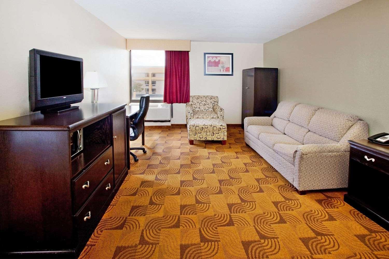 Suite - La Quinta Inn & Suites Memphis