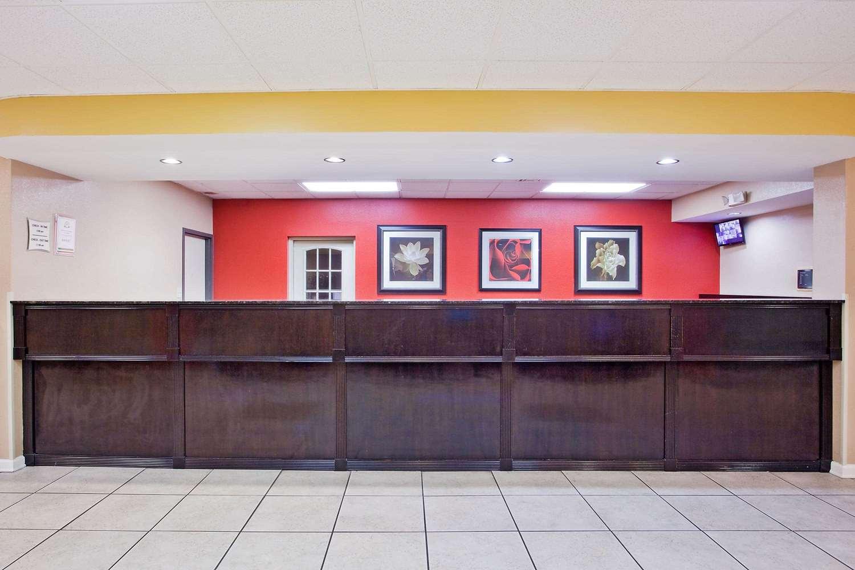 Lobby - La Quinta Inn & Suites Memphis