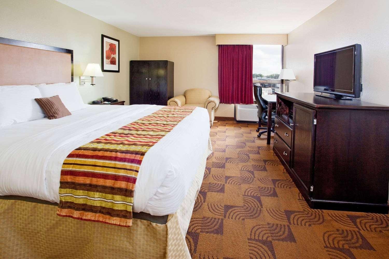 Room - La Quinta Inn & Suites Memphis