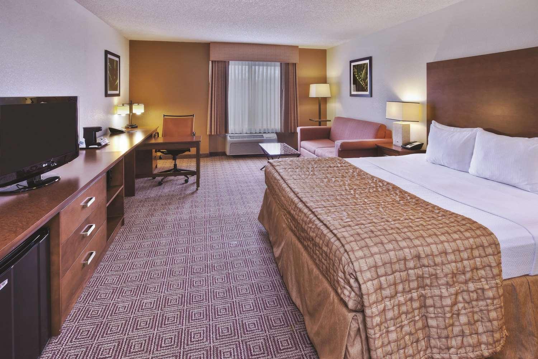 Room - La Quinta Inn & Suites Danbury