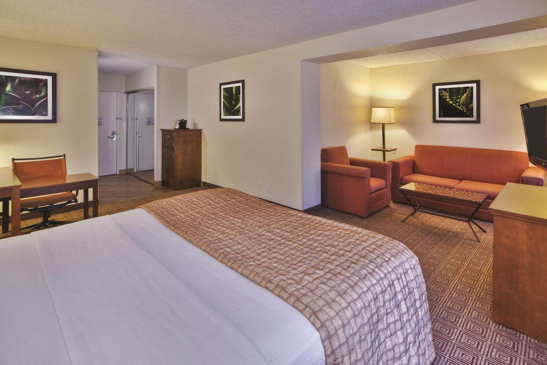 Suite - La Quinta Inn & Suites Danbury