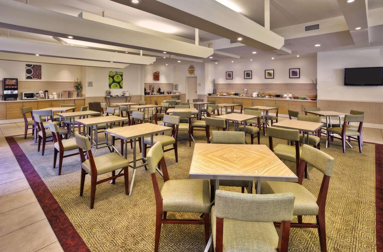 proam - La Quinta Inn & Suites Danbury