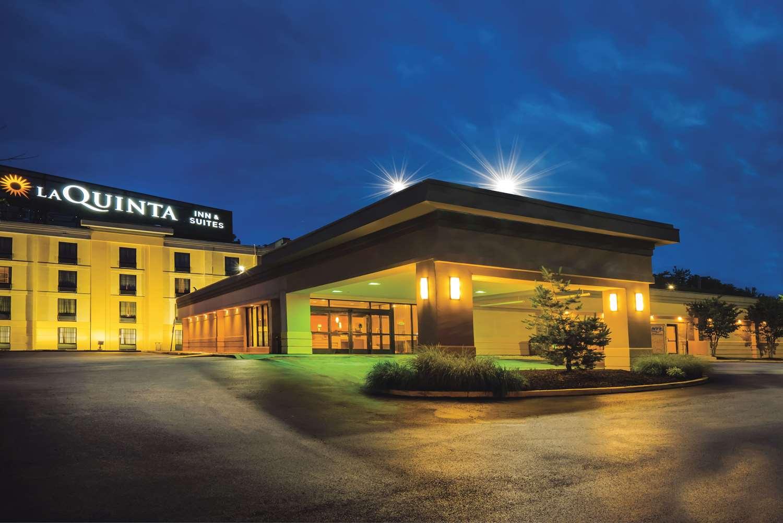 Exterior view - La Quinta Inn & Suites Glen Burnie