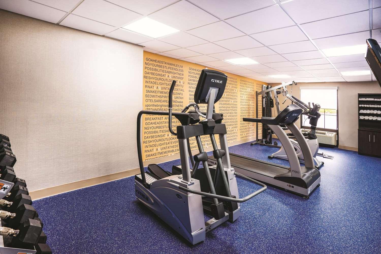Fitness/ Exercise Room - La Quinta Inn & Suites Glen Burnie