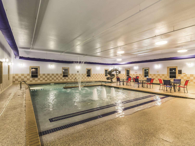 Pool - La Quinta Inn & Suites Fargo