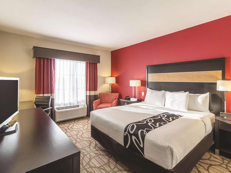 Room - La Quinta Inn & Suites Fargo