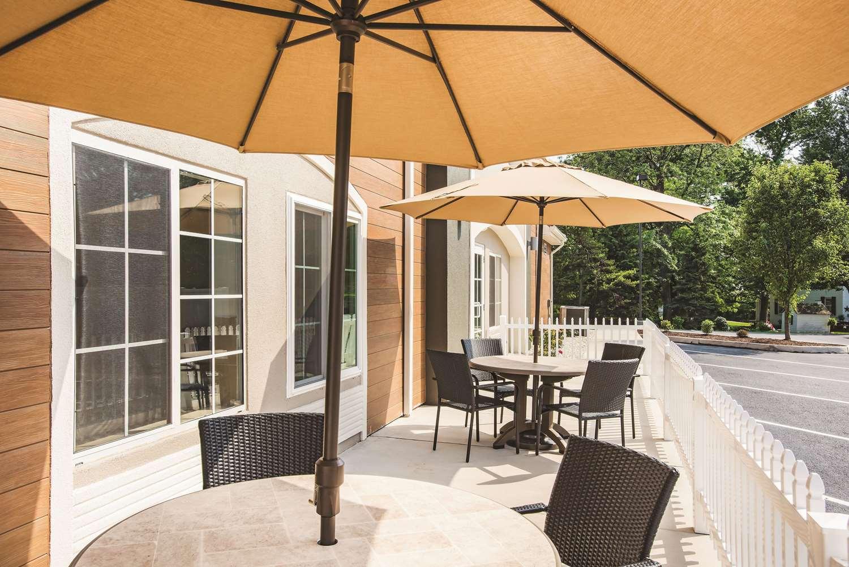 Exterior view - La Quinta Inn & Suites Chambersburg