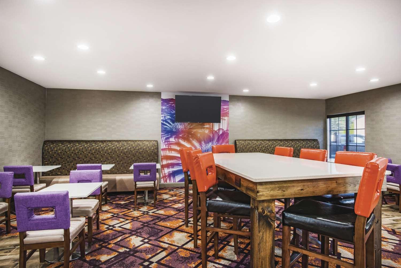 proam - La Quinta Inn & Suites Chambersburg