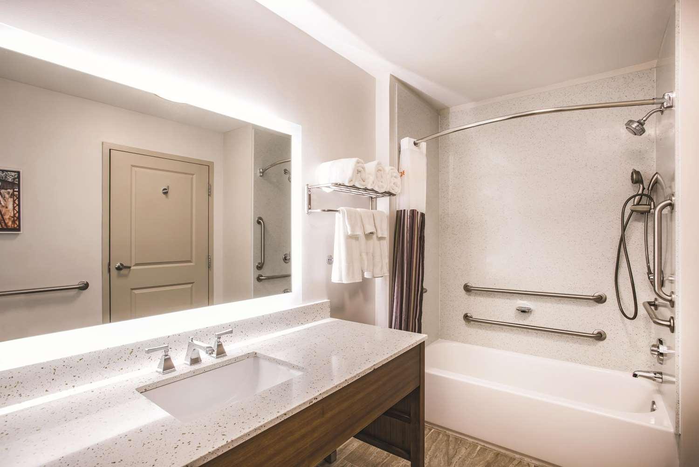 Room - La Quinta Inn & Suites Chambersburg