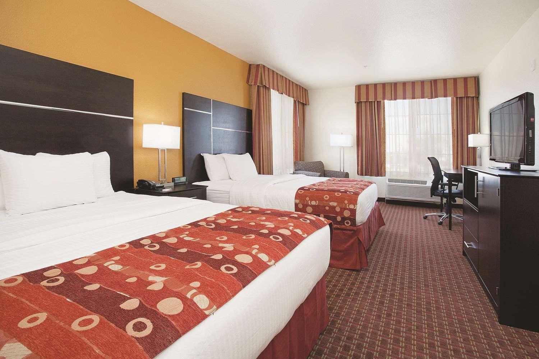 Room - La Quinta Inn & Suites Gateway Park Denver