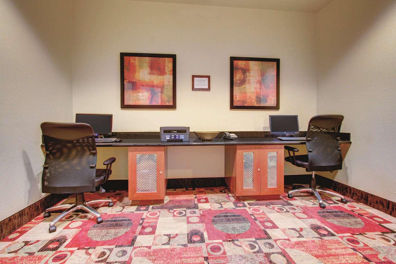 Conference Area - La Quinta Inn & Suites Gateway Park Denver