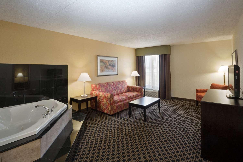 Suite - La Quinta Inn & Suites Salina