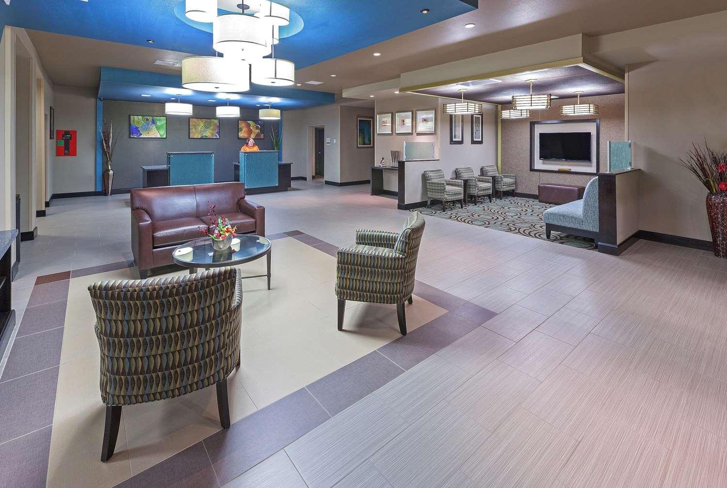Lobby - La Quinta Inn & Suites Durant