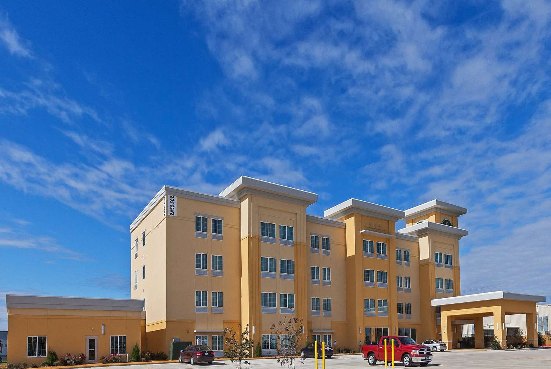 Exterior view - La Quinta Inn & Suites Durant