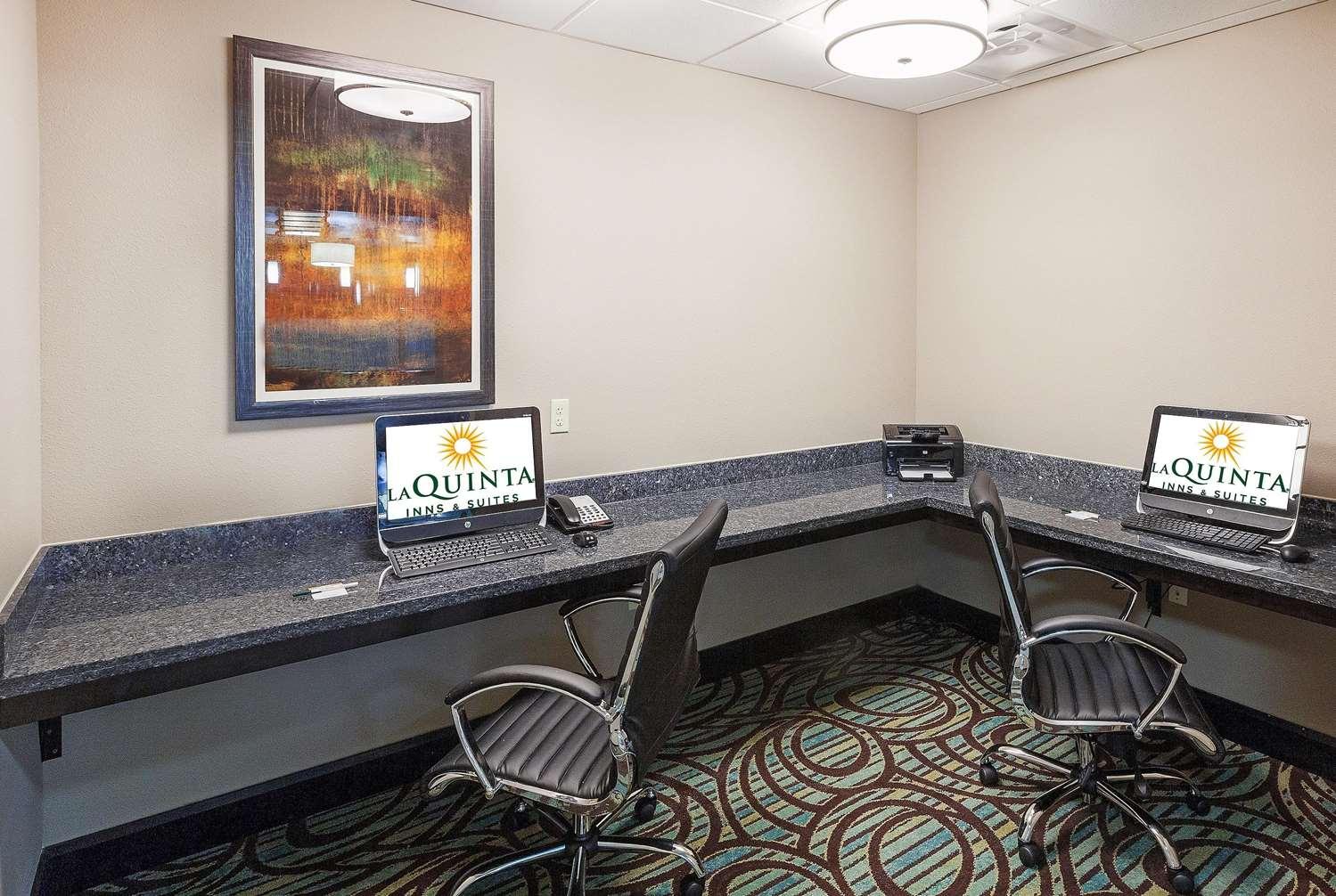 Conference Area - La Quinta Inn & Suites Durant