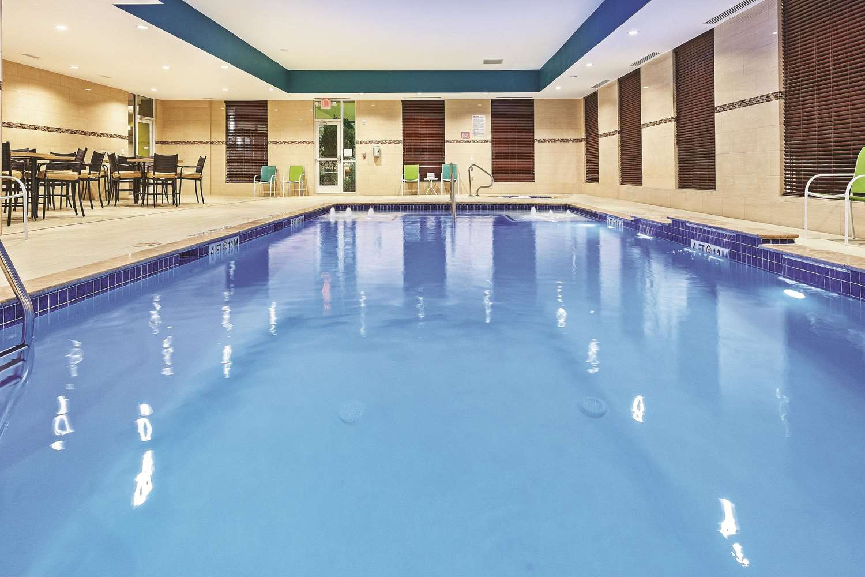Pool - La Quinta Inn & Suites FM 1960 Willowbrook Houston