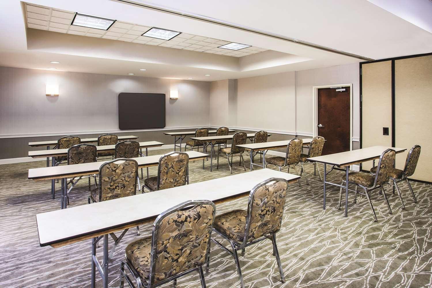 Meeting Facilities - La Quinta Inn & Suites Elkton