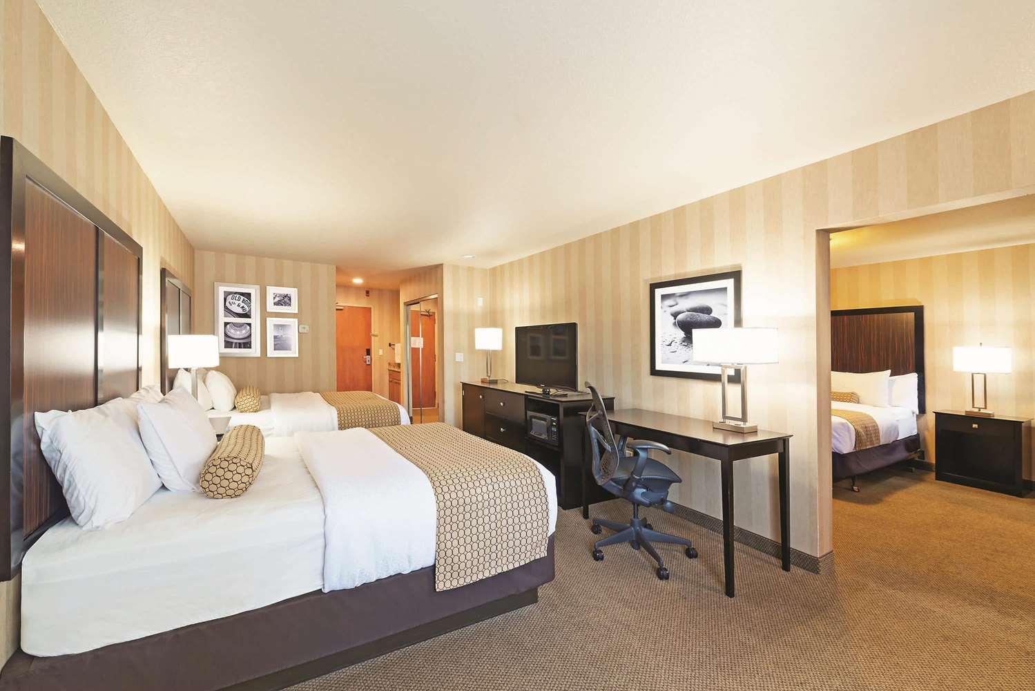 Suite - La Quinta Inn & Suites Towne Square Boise